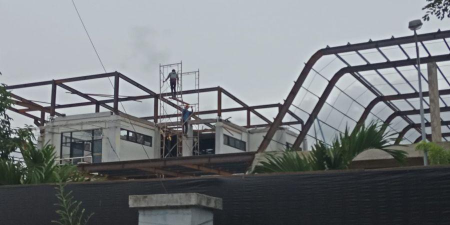 Pekerja Proyek Rehabilitasi Terminal Penumpang Tipe A Takengon Tidak Dilengkapi Safety